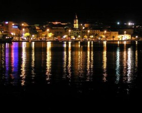 2187583-makarska_by_night_makarska
